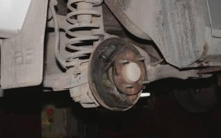 Распорка задних тормозных колодок